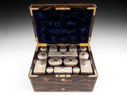 Coromandel Dressing Case by Thornhill