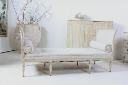 Swedish 19th Century Daybed in Antique Linen