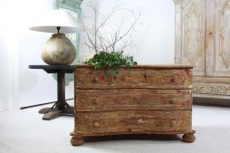 Exquisite Antique French 19th Century Serpentine Commode