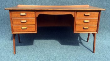Beautiful and Rare Desk by Svend Aage Madsen for Sigurd Hansen Mobelfabrik