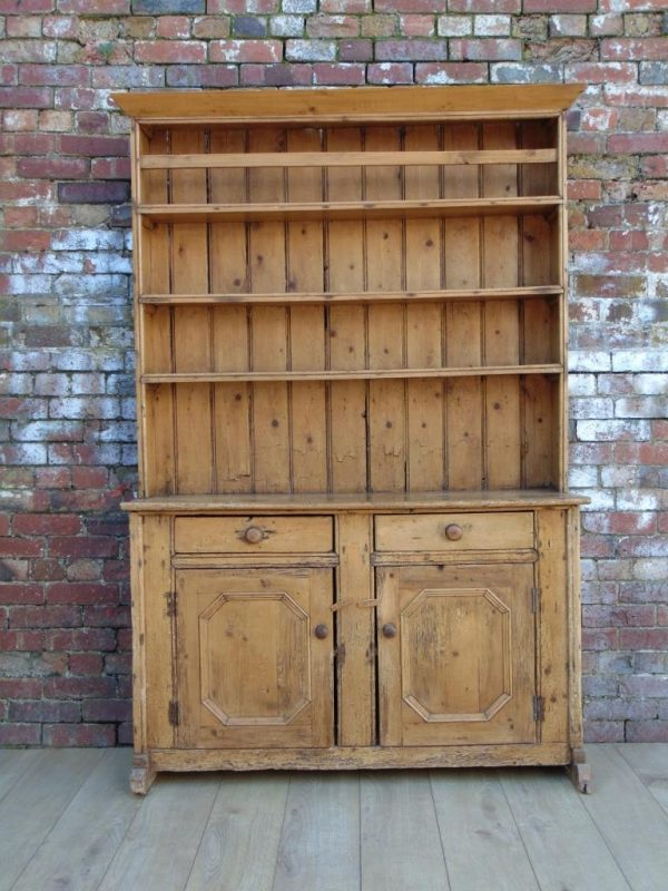 Early 19th Century Antique Irish Pine Dresser Interior
