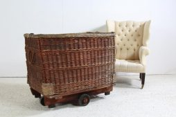 XXL English Country House Wicker Basket