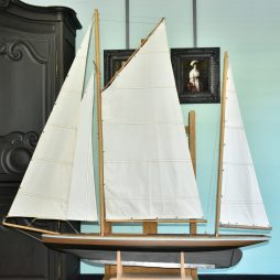 Antique Edwardian Pond Yacht