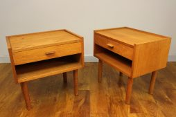 PAIR OF OAK BEDSIDE TABLES DESIGNED BY HANS WEGNER