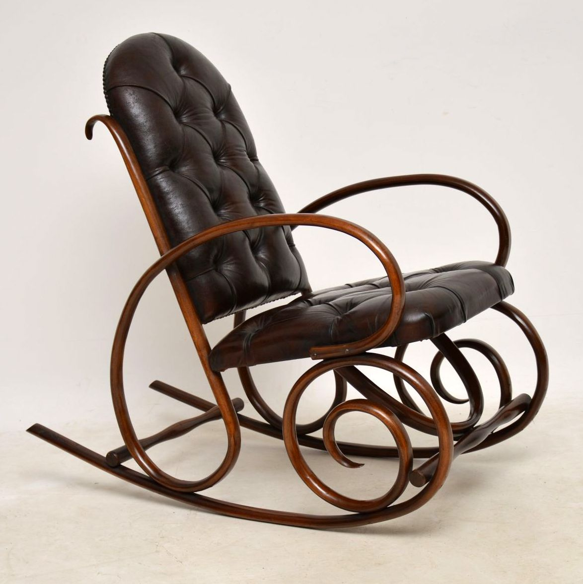 low priced e71e7 66116 Antique Bentwood & Leather Rocking Chair by Thonet