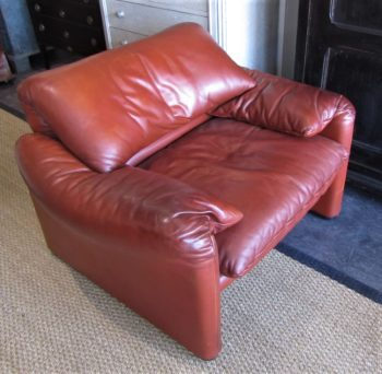 A 675 maralunga leather armchair