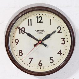 269-Smiths Bakelite Clock