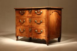 Stunning 18th Century Walnut Commode