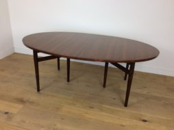 Mid Century extendable rosewood dining table by Arne Vodder